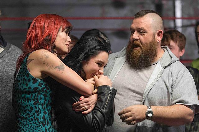 映画「ファイティング・ファミリー」感想 -後半にネタバレあり- 実在するレスリング一家の絆に感動する。